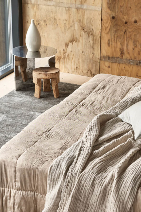 Gold Silk Square Bedspread interior